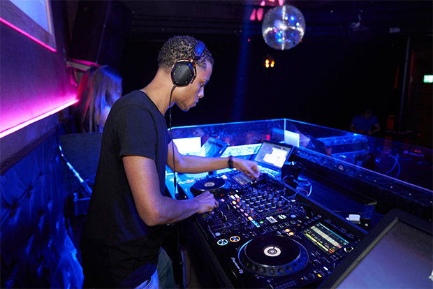 Make Extra Money With A DJ Side Hustle