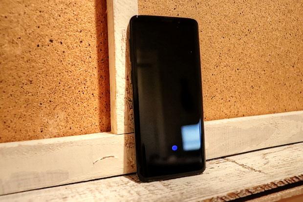 Gen Mobile Samsung Galaxy S9 unboxed sprednja stran